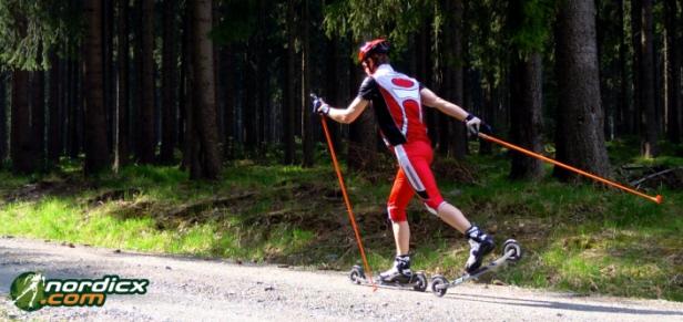 Cross-Skiroller in Aktion